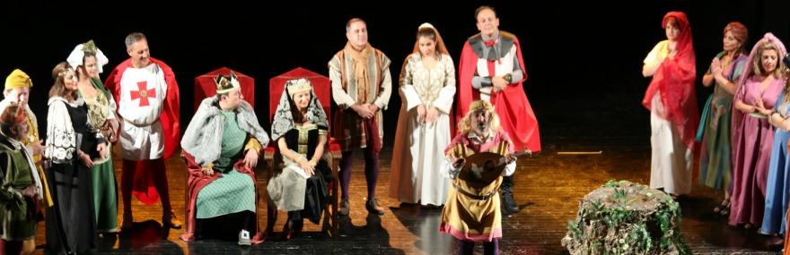 'La venganza de Don Mendo' llena el teatro oscense en su última representación solidaria-media-1