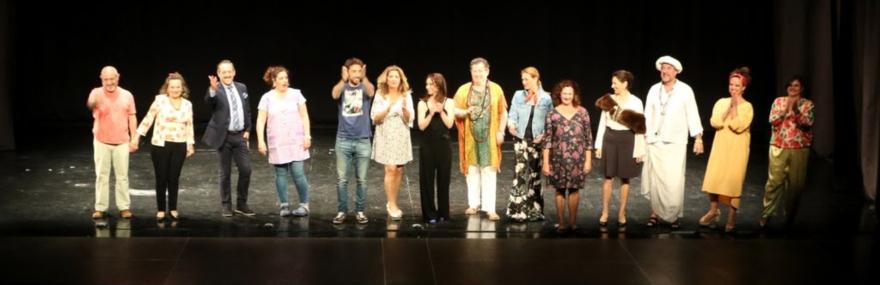 Almuñécar acoge el preestreno de la última obra del Grupo de Teatro, 'Reformas de interior'-media-1