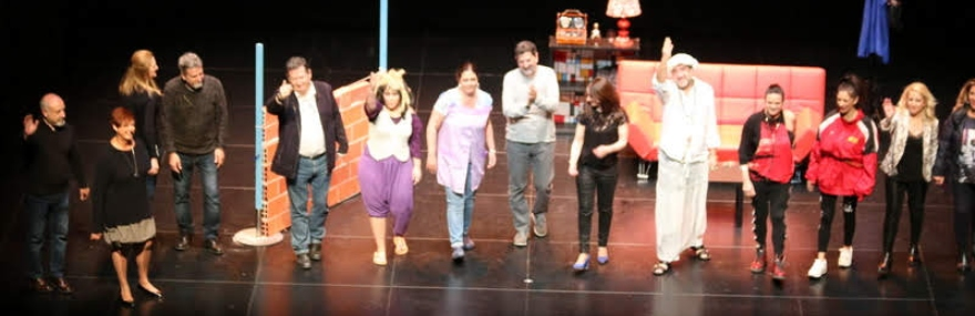 El Grupo de Teatro ofrece una nueva actuación solidaria por el Día Mundial de la Concienciación sobre el Autismo-media-1