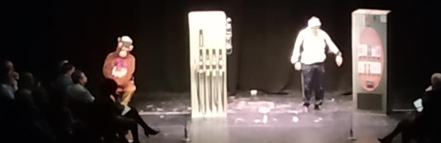 El Grupo de Teatro interpreta 'Las máquinas' en la entrega de premios del Certamen José Moreno Arenas-media-1